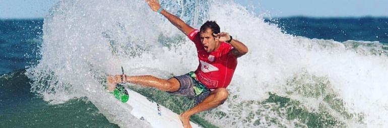 16 melhores cidades para surfar e viajar no Brasil.